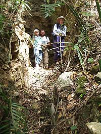 Looters Trench El Peru Photo Gallery - Maya Expeditions