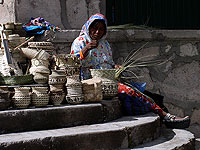 Raramari Women and her baskets - Copper Canyon Adventures - Maya Expeditions