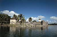Rio Dulce Castillo De San Felipe - photo by INGUAT - Maya Expeditions